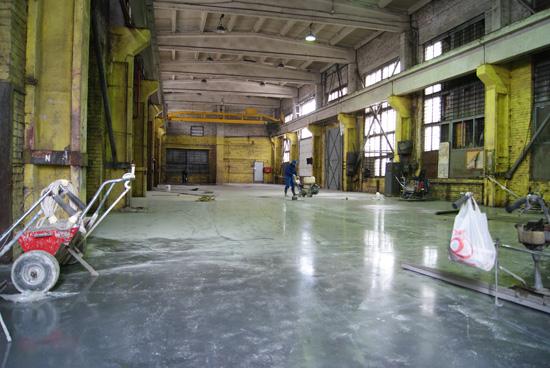 нарезка усадочных швов в бетонном полу